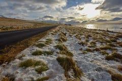 Visión en el borde de la carretera en Islandia imágenes de archivo libres de regalías