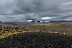 Visión en los llanos islandeses durante verano Imagen de archivo