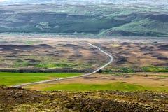 Visión en los llanos islandeses durante verano Fotografía de archivo