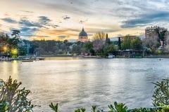 Visión escénica sobre el lago del EUR en Roma, Italia Imagen de archivo