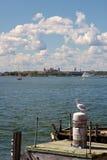 Visión hacia Ellis Island Fotografía de archivo libre de regalías