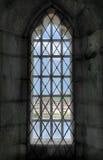 Visión hacia fuera la ventana del castillo Foto de archivo