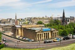 Visión hacia National Gallery y Scott Monument escoceses de a Imagen de archivo libre de regalías