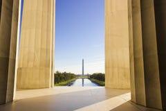 Visión magnífica hacia fuera sobre la alameda nacional en Washington DC de Lincoln Memorial Foto de archivo