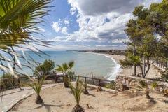 Visión mediterránea desde el puesto de observación en Roda de Bera, Costa Dorada, fotos de archivo libres de regalías