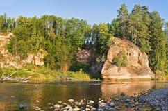 Visión otoñal en Amata River Foto de archivo libre de regalías