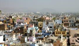 Visión panorámica desde la colina en Udaipur, Rajasthán, la India Foto de archivo