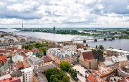 Visión panorámica desde la iglesia de San Pedro, Riga Fotografía de archivo libre de regalías