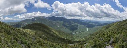 Visión panorámica desde la montaña del cañón, New Hampshire fotografía de archivo