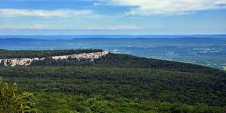 Visión panorámica en el parque de estado de Minnewaska Imagen de archivo libre de regalías