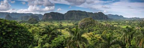 Visión panorámica en el valle de Vinales, Cuba Fotos de archivo libres de regalías