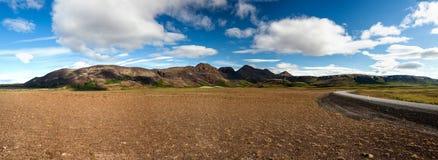 Visión panorámica en los llanos islandeses durante verano Imagen de archivo