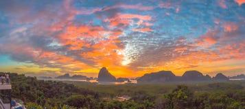 Visión panorámica imponente en Samed Nang ella punto de vista Foto de archivo libre de regalías
