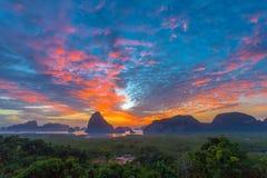 Visión panorámica imponente en Samed Nang ella punto de vista Imagen de archivo libre de regalías