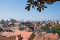 Visión panorámica sobre el centro de ciudad de Zagreb imágenes de archivo libres de regalías
