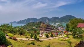 Visión panorámica sobre Koh Phi Phi Island en Tailandia foto de archivo libre de regalías