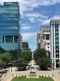 Visión que mira abajo de Main Street de Carolina State House del sur Fotos de archivo libres de regalías