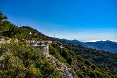 Visión que sorprende en un día soleado en las colinas de la isla Naxos de Mediterranean fotos de archivo libres de regalías