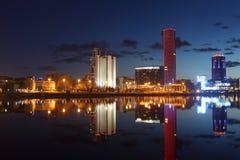 Visión sobre ciudad de la noche foto de archivo libre de regalías