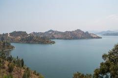 Visión sobre el lago Kivu, Kibuye, Rwanda imagenes de archivo