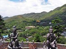 Visión sobre el Ngong Ping Plateau en la isla de Lantau en Hong Kong fotos de archivo