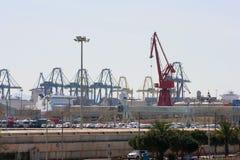 Visión sobre el puerto comercial de Valencia, España Imagenes de archivo