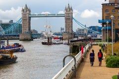 Visión sobre el Támesis en Londres, Reino Unido Foto de archivo