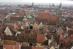 Visión sobre el viejo cuarto de la ciudad de Nuremberg imagenes de archivo