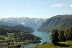 Visión sobre Hardangerfjord, Noruega Imagen de archivo libre de regalías