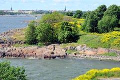 Visión sobre Helsinki de Suomenlinna Foto de archivo libre de regalías