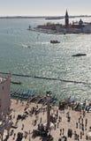 Visión sobre Isola di San Giorgio Maggiore de la torre del campanil Foto de archivo