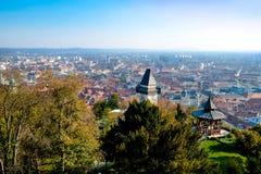 Visión sobre la ciudad de Graz fotos de archivo