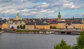Visión sobre la ciudad vieja Gamla Stan de Estocolmo en Suecia Foto de archivo