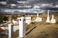 Visión sobre la vecindad de Barrio de las Cuevas en la ciudad de Guadix Foto de archivo libre de regalías