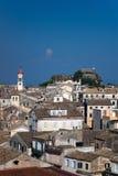 Visión sobre las azoteas de Kerkyra de capital de Corfú Fotografía de archivo libre de regalías