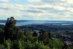Visión sobre Oslo de Holmenkollen Foto de archivo libre de regalías