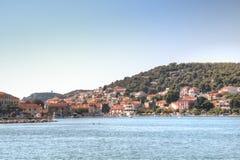Visión sobre Tisno en Croacia imagen de archivo libre de regalías