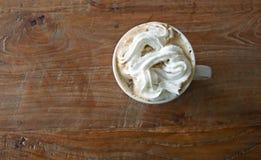 Visión superior: café con la nata Fotos de archivo