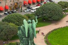 Visión superior desde la columnata de la catedral de StIsaac Fotos de archivo