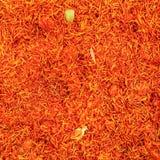 Visión superior, detalle en el azafrán de azafrán roja anaranjada brillante s sativus fotos de archivo libres de regalías