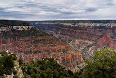 Visión a través de Grand Canyon Rim Arizona del norte imagenes de archivo