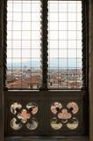 Visión a través de la ventana de Florencia Imagen de archivo libre de regalías