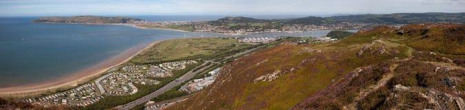 Visiónes desde la montaña de Conwy fotos de archivo