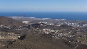 Visiónes panorámicas hacia la costa del sudeste de la isla de Tenerife del La Centinela en un día de invierno claro, islas Canari Imagenes de archivo