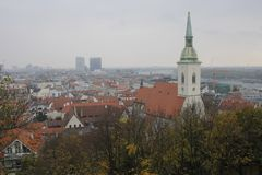 Visi?n desde el castillo de Bratislava fotografía de archivo libre de regalías