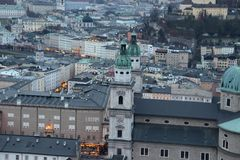 Visi?n desde Hohensalzburg en Salzburg foto de archivo libre de regalías