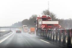 Visibilidade pobre na estrada imagens de stock