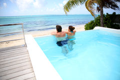Visión agradable desde la piscina Foto de archivo libre de regalías