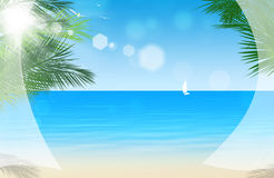 Visión a través de las cortinas de ventana en la playa tropical Imagen de archivo libre de regalías
