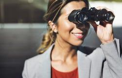 Vision binocular observa concepto del hallazgo de la solución Foto de archivo